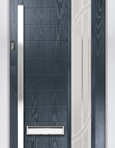 Modern 1 Long Right Shown With Vortex Glass & 1500mm Rectangular Stainless Steel Handle