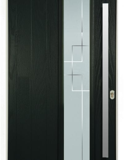 Modern 1 Right Shown With Deco Glass and 1500mm Stainless Steel Rectangular Handle